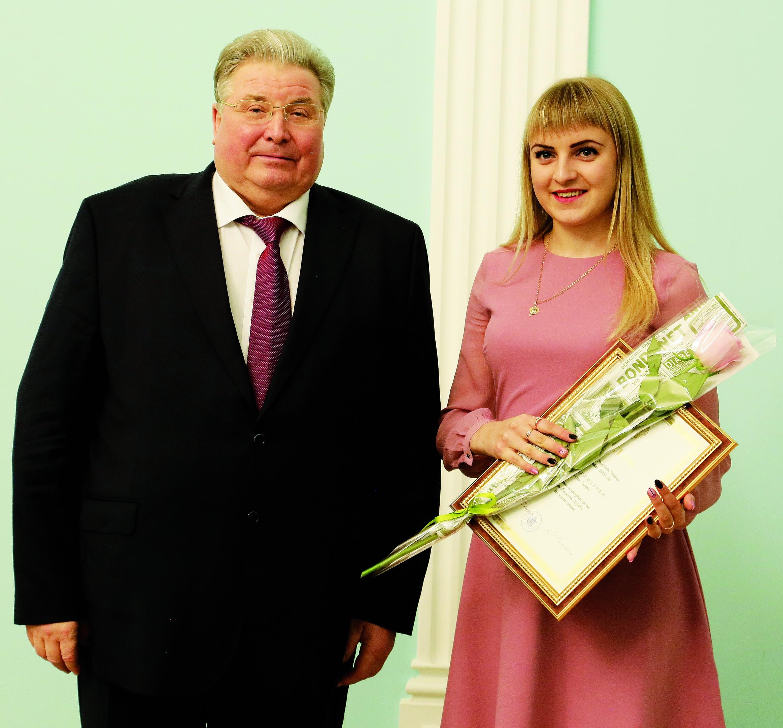 Алеся Клементьева - литературань премиянь лауреат