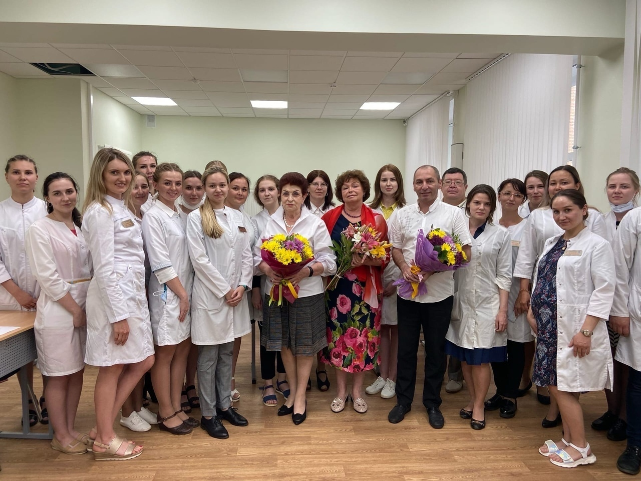 В Йошкар-Оле выпустились 50 первых врачей и 22 фармацевта