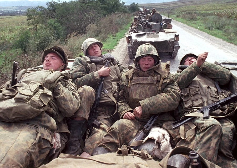 Грозный танками брать - сумасшествие. Фото: Владимир ВЕЛЕНГУРИН