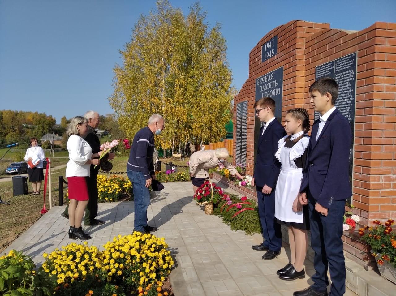 В Сернурском районе открыли мемориал в память о погибших в Великой Отечественной войне