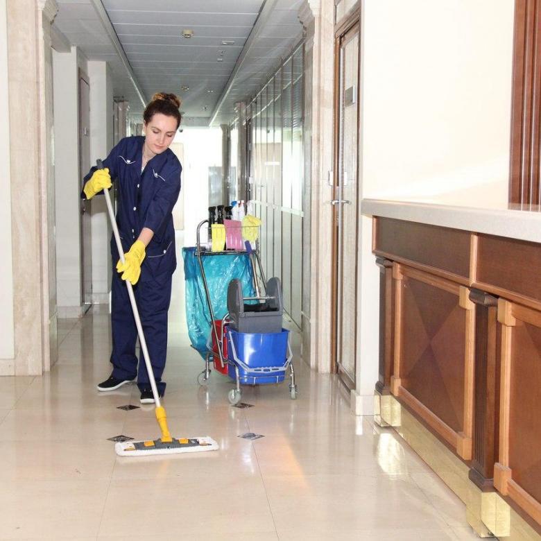 Требуется уборщик служебных помещений для трудоустройства на место, квотируемое для инвалидов.