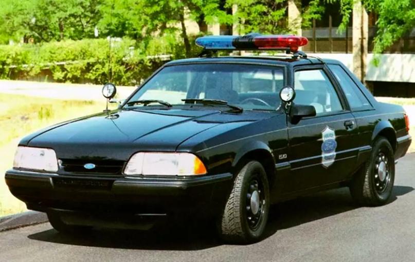 История полицейских авто Америки, изображение №10
