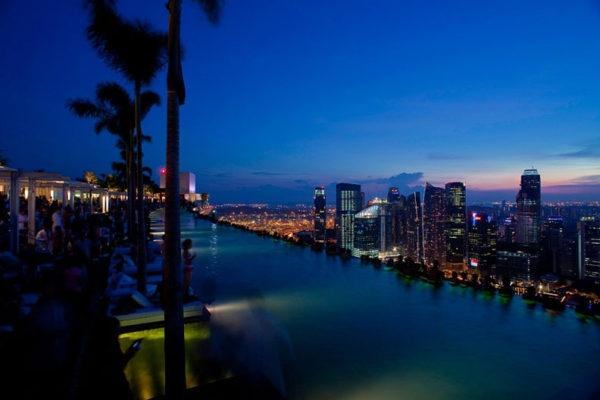 Уникальный отель Marina Bay Sands в Сингапуре., изображение №7