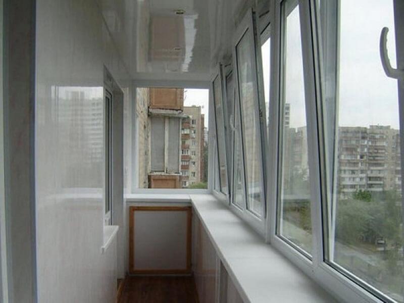 Способы остекления балкона, изображение №2