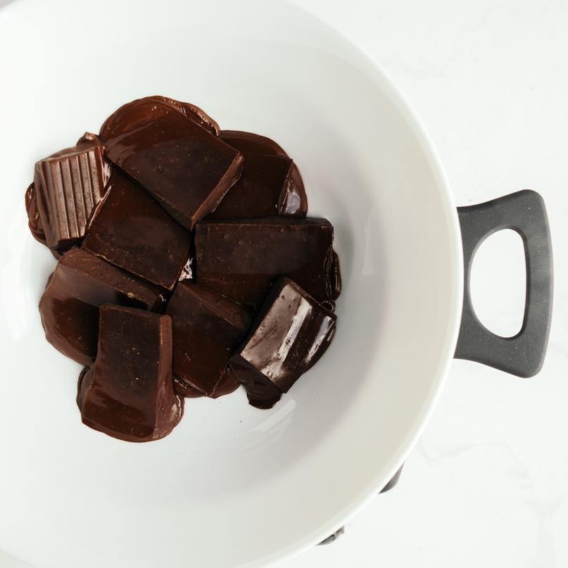 Диетические корзиночки с шоколадом, творогом и смородиной, изображение №3