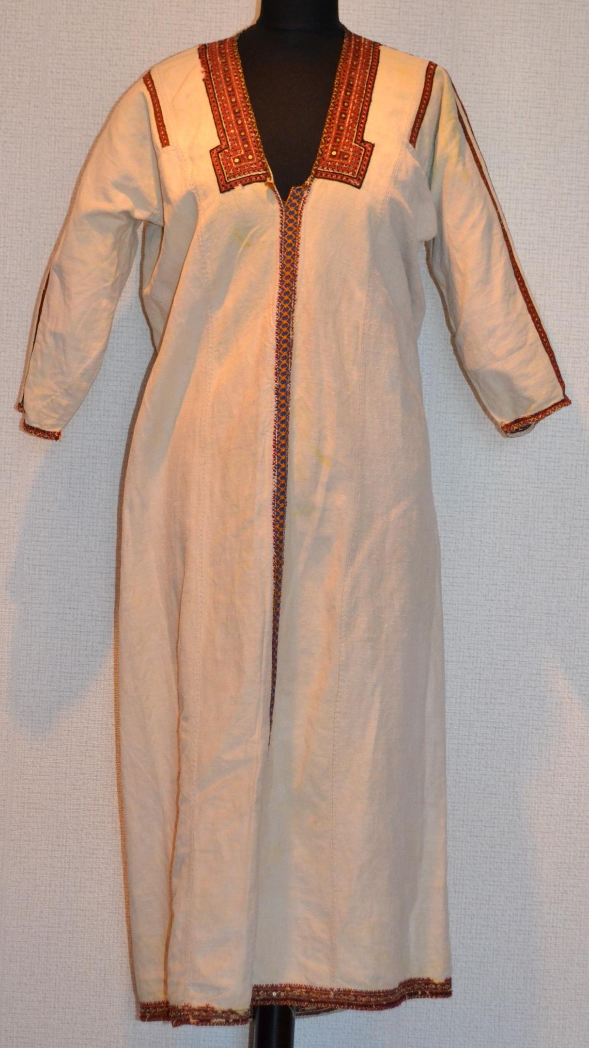 Мордовский женский костюм, изображение №1